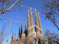 Clear winter skies over Sagrada Familia
